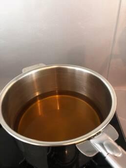 Faire bouillir eau vinaigre sucre
