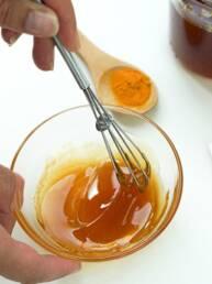 Masque purifiant maison miel curcuma