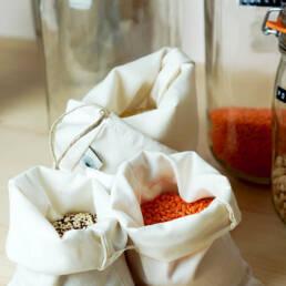 Aliments secs dans sacs a vrac coton bio